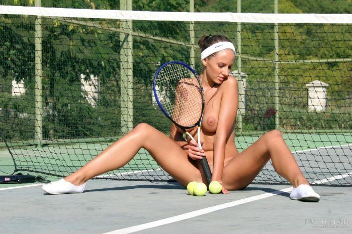 amateurs-real-tennis-players-nudity-hot